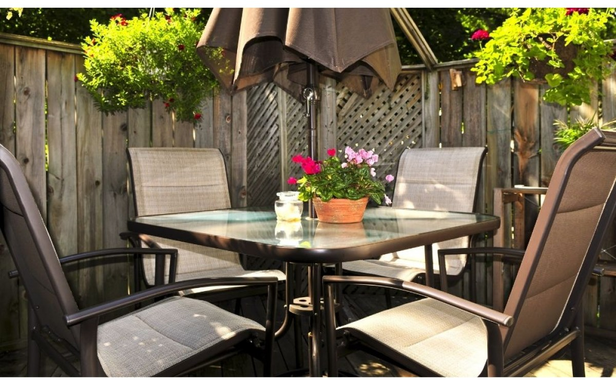 The Benefits of Using Sling Patio Furniture