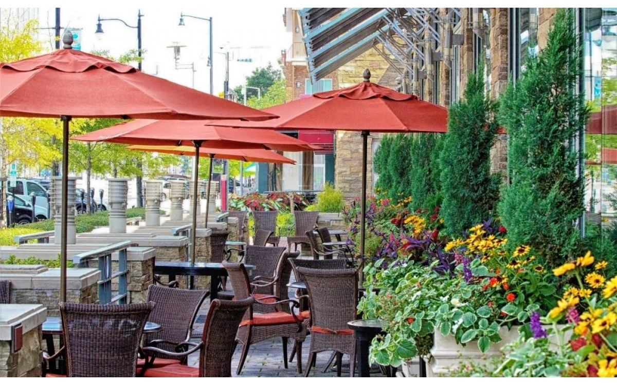 Easy Ways To Upgrade Your Restaurant's Patio