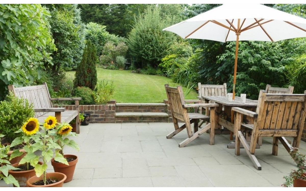 Easy Ways to Upgrade Your Patio on a Budget